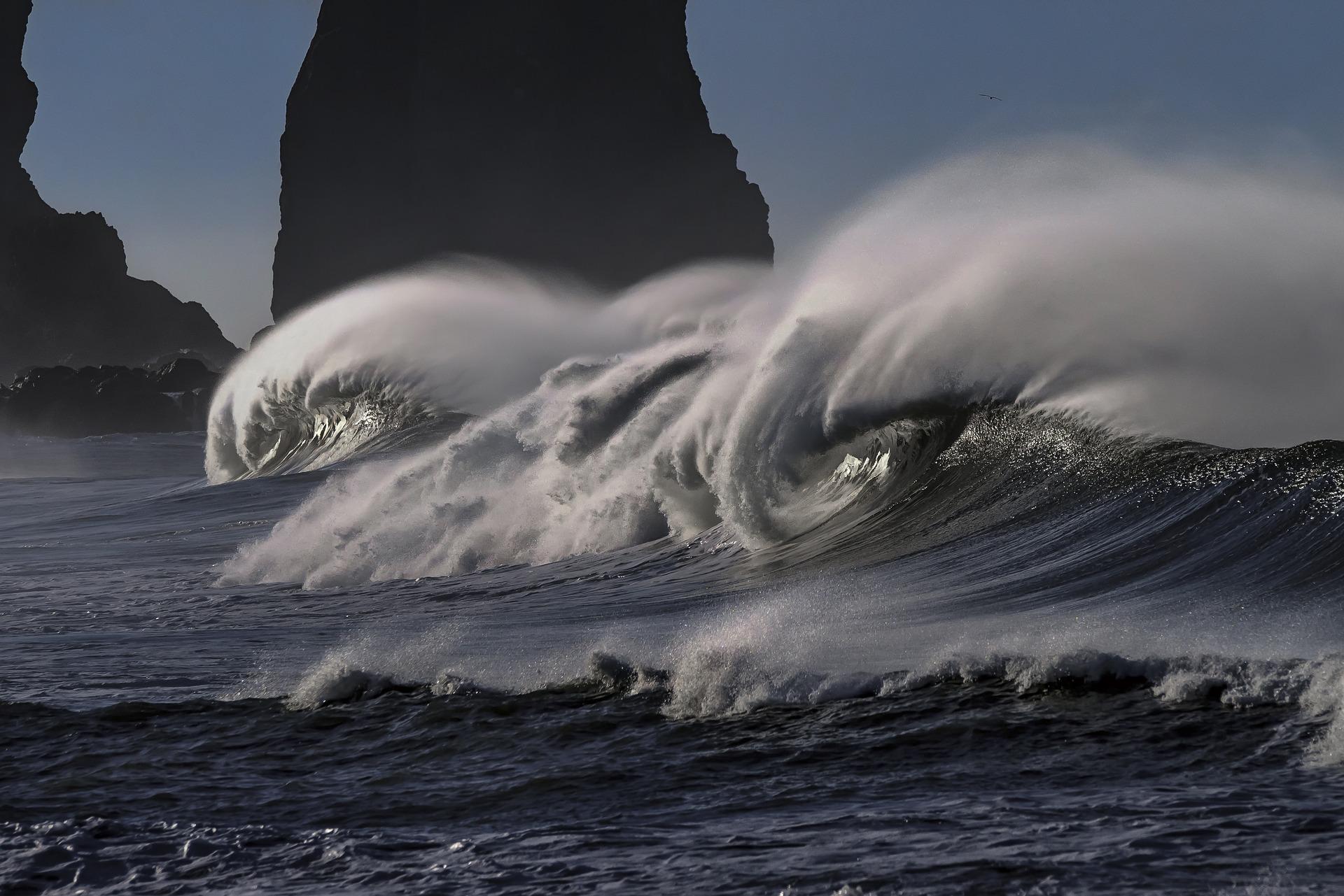 wave-2089959_1920